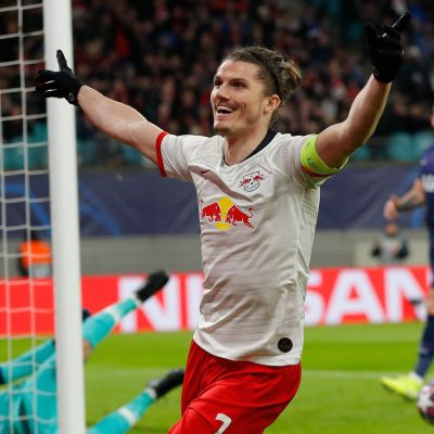 Marcel Sabitzer firar mål.