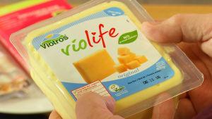 Vegaanista juustoa.