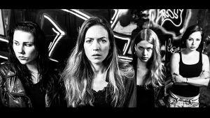 Fyra kvinnor från filmen Dream Business om människohandel poserar