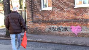 Ett hjärta som Irmela Mensah-Schramm målat tidigare.