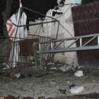 Bråte efter terrorattack i Mogadishu.
