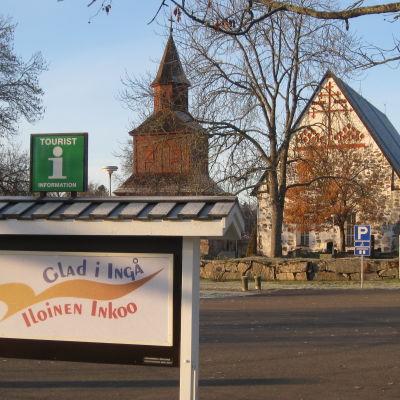 En skylt vid Ingå kyrka.