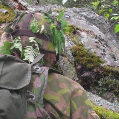 Soldat i krigsövning