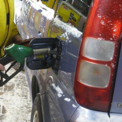 Snart går det inte att tanka 95-oktaning bensin längre