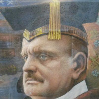 Tavla föreställande Jean Sibelius som hedersdoktor vid universitetet i Yale 1914