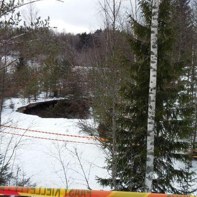 Sjunkhålet i Aijala i Kisko.