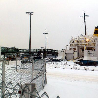 Wasa Express, i bakgrunden RG1