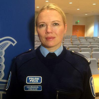 Viestintäpäällikkö Nina Juurakko-Vesikko, Poliisi