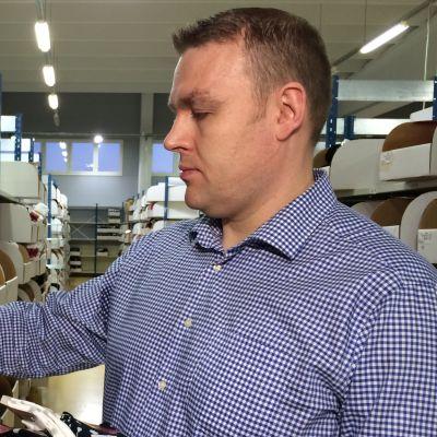 Sukkamestareiden tehtaanjohtaja Jani Tarkki