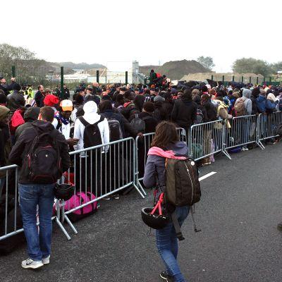 Flyktinglägret Djungeln i Calais töms.