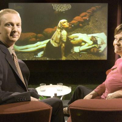 Mirja Pyykön haastateltavana Janne Gallen-Kallela-Sirén 2005.