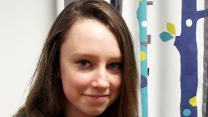 Naomi Åbacka är elev i klass åtta i Borgaregatans skola i Vasa.