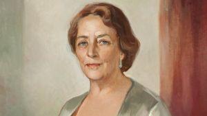 Porträtt av industrirådet Teresia Lönnström i Lönnströms hemmuseum, Liisa Tanner 1965