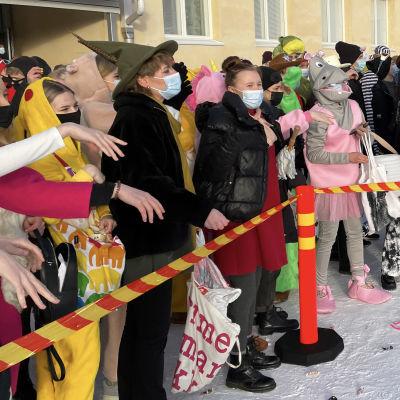 Penkkaritunnelmia 2021 Porin suomalaisen yhteislyseon lukion pihalla