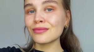 Emma Levo.
