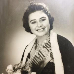 Pirkko Mannola kruunattiin Miss Suomeksi vuonna 1958.