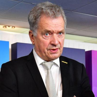 President Niinistö uttalar sig för pressen under en besök i Malmö.