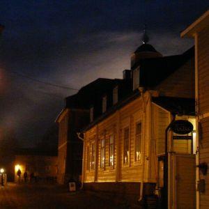 Spöklig stämning i gamla stan i Borgå