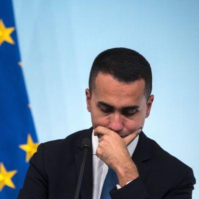 Italien och den populistiska Femstjärnerörelsens ledare, vicepremiärminister Luigi di Maio  vägrar att ge efter för EU:s krav