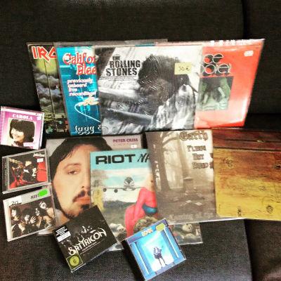 Vinylskivor och cd-skivor från skivmässa i Hyvinge 2015.
