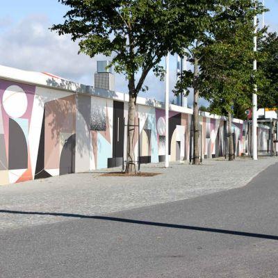 Ruotsinsuomalaisen Tony Sjömanin Raatin stadioniin suunnitteleman muraalin havainnekuva.