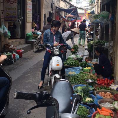 Hanoi. Vietnams unga är bland världens mest Facebook-aktiva.