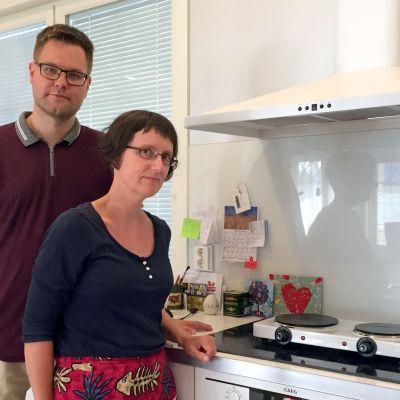 Markus och Sofie Vikström kokar för tillfället på en reserv kokplatta.