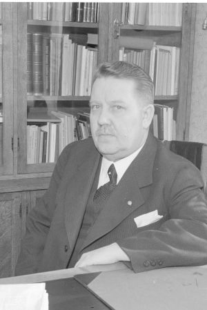 kulkulaitosministeri väinö salovaara v. 1940