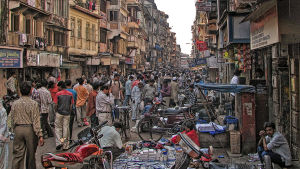 The Bazar in full swing - Bapty Rd, Chor Bazar, Bombay.