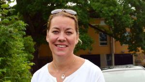Porträttbild på Petra Blomqvist.
