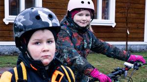 Lapset Jere ja Sara Isoaho Haapavedeltä.