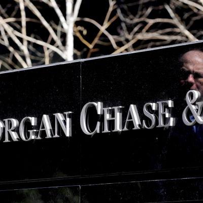 Namnskylt för JP Morgan Chase i New York.