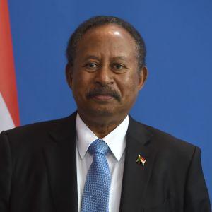 Övergångsregeringens ledare, premiärminister Abdalla Hamdok som undertecknade fredsavtalet för Sudans del varnar för många fallgropar på vägen till varaktig fred.