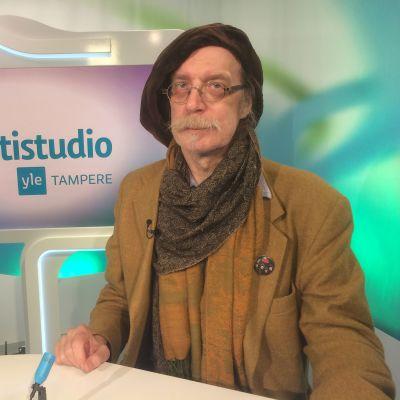 Kansanedustaja Pertti Virtanen (PS) Yle Tampereen Nettistudiossa