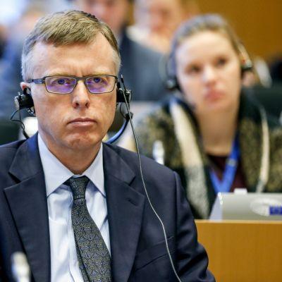Nordean Matthew Elderfield oli torstaina aamupäivällä Panama-valiokunnan kuultavana Euroopan parlamentissa Brysselissä.