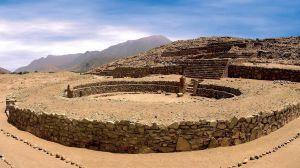 Pyramid i den arkeologiska fyndplatsen Caral, ungefär 200 kilometer norr om Perus huvudstad Lima.