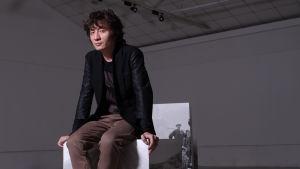 Den kinesiska författaren A Yi.