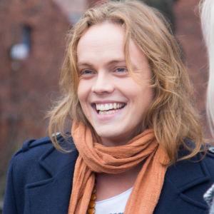 Uuden Päivän Tomi Karhua näyttelee Antti Väre