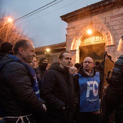 Ranska lakkoilevat vanginvartijat