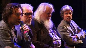 Erik XIV -oopperan tekijät maarskuussa 2011, ohjaaja Erik Söderblom, libretisti Juha Siltanen, kapellimestari Leif Segerstam ja säveltäjä Mikko Heiniö.