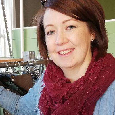 Yvonne Korenius öppnar ny second hand butik med damkläder i Karis.