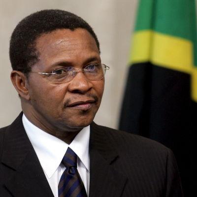 Tanzanias president Jakaya Mrisho Kikwete ska på arbetsbesök till Finland tillsammans med makan Salma Kikwete.