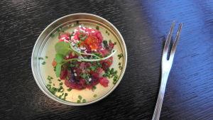 Biff tartar i restaurang Huber i Tasmmerfors.