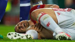 Zlatan Ibrahimovic skadade sitt knä under våren i Europa League.