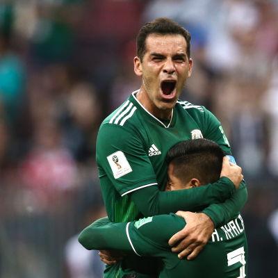 Mexiko firar mål.