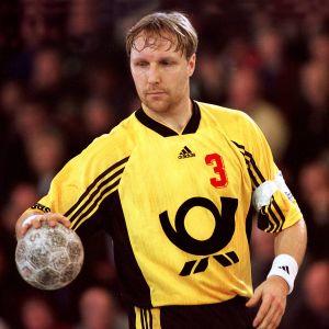 Mikael Källman spelar i Tusem Essen säsongen 1998/1999.