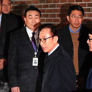 Ex-president Lee Myung- Bak greps förra månaden i väntan på rättegång