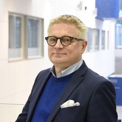 Kuopion yliopistollisen sairaalan johtajaylilääkäri Antti Hedman.