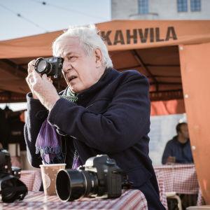 krigsfotografen Tim Page i Helsingfors.