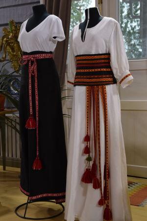 Festklädda provdockor